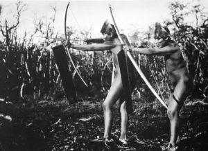 Dos cazadores de arco y flecha